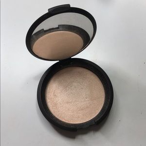Becca Shimmering Skin Perfector in Moonstone